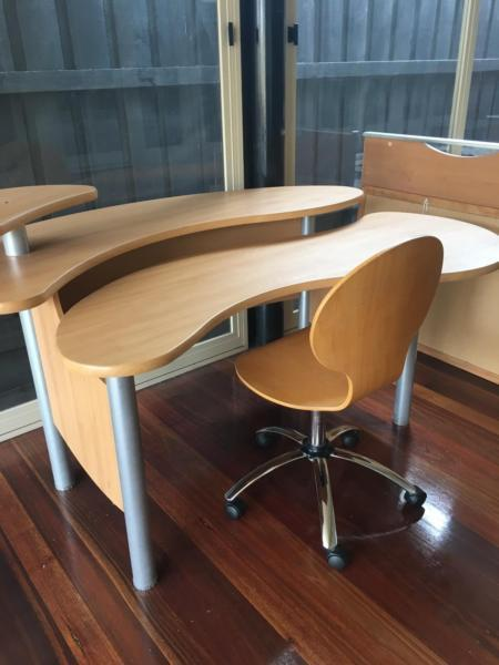 Freedom furniture desk and chair