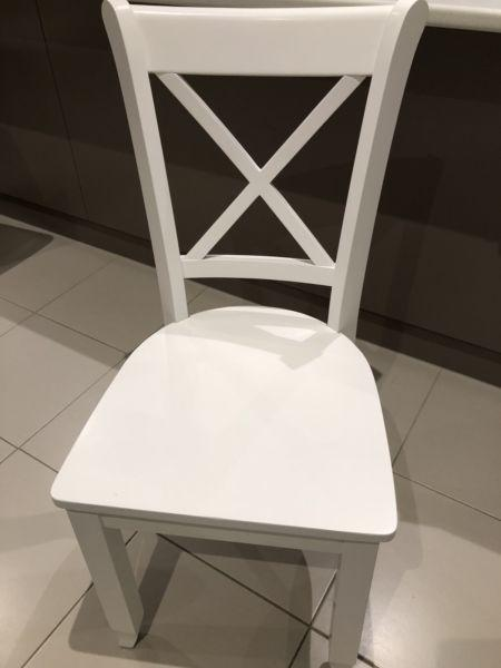 6 x White French design dining chairs