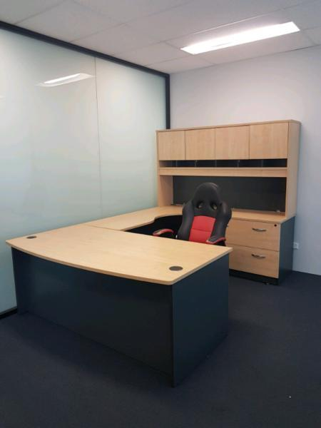 0FFICE FURNITURE DESKS CREDENZAS MUST GO TODAY