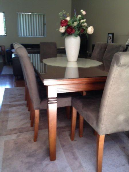 8 seater Dinning table (including protective glass)