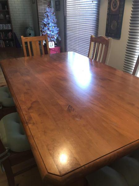 Pine Table & 8 chairs