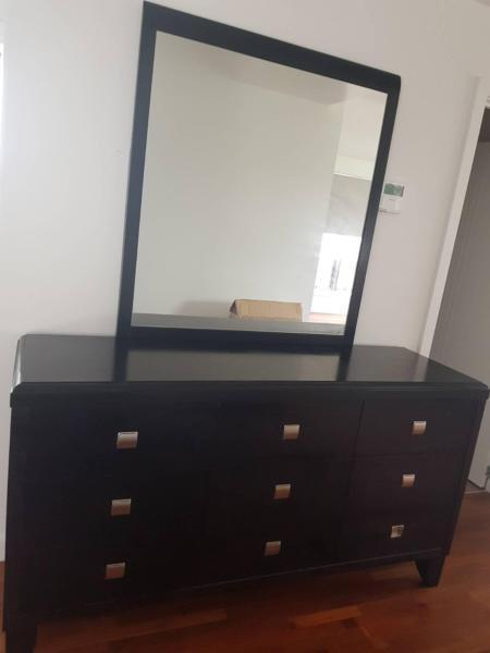 Bedside drawers and dresser with mirror