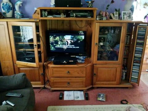 *PACKAGE DEAL* TIMBER TV UNIT / SHARP TV AND PIONEER DVD PLAYER