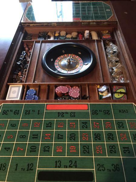 Games table chess roulette backgammon