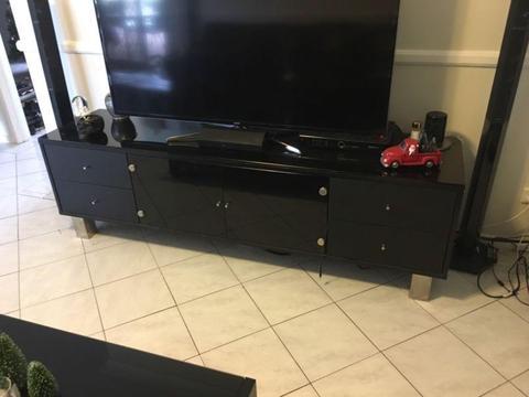 Black Glass TV Cabinet Freedom