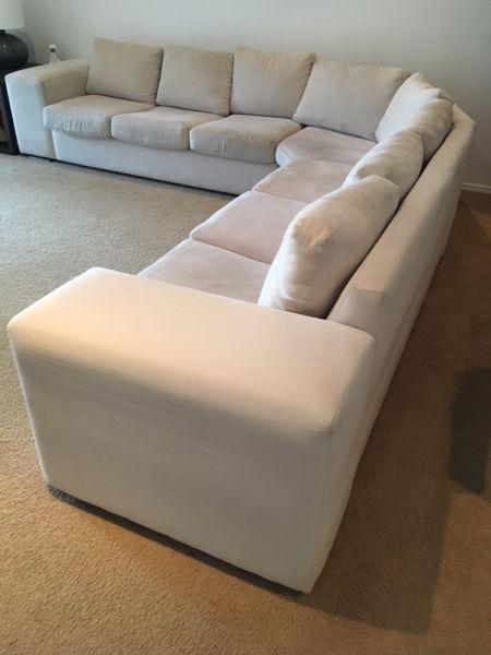 Corner modular lounge sofa