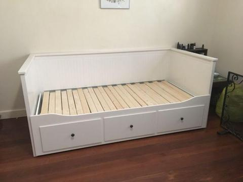 Ikea Hemnes Sofa Bed / Couch