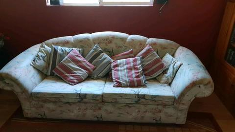 3 seat couch with fold out bed (sofa bed)