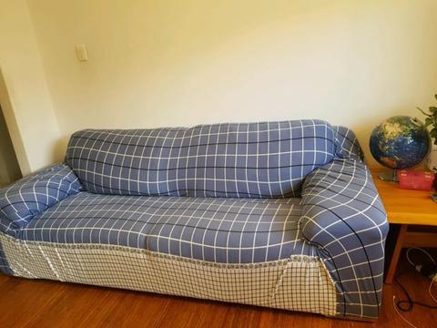 Free sofa 3-2 Lounge suite