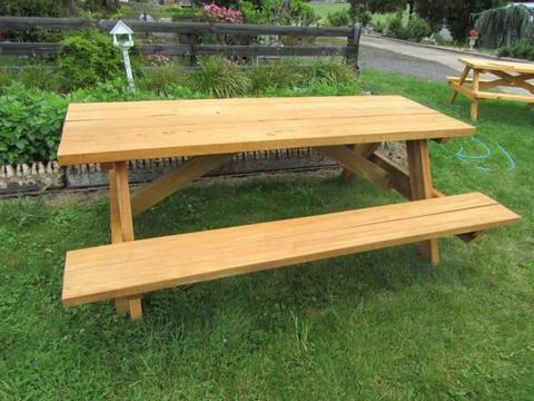Outdoor Setting - Hardwood