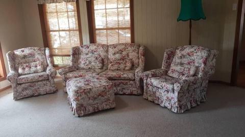 Lounge suite (floral)