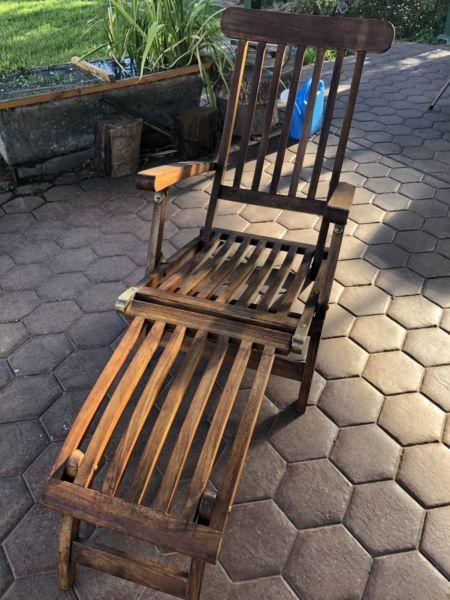 Outdoor wooden recliner