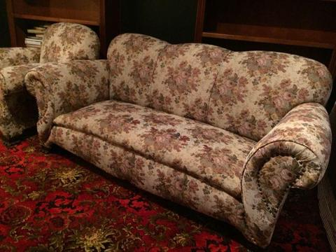1940s Lounge suite