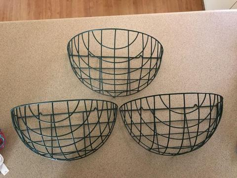 Wall plant baskets