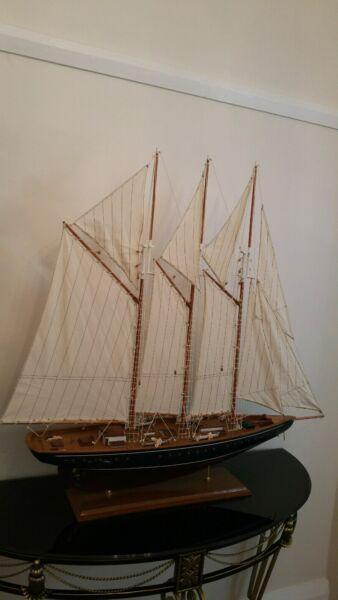 Sailing Boat luxury Ornament