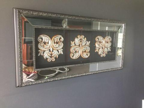 Mirror framed