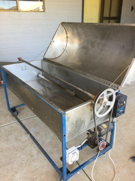 Rotisserie Spit Lamb cooker