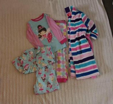Size 4 Girls Winter Clothing PJs (Pack 10)