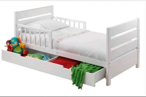 mothers choice toddler bed with draw